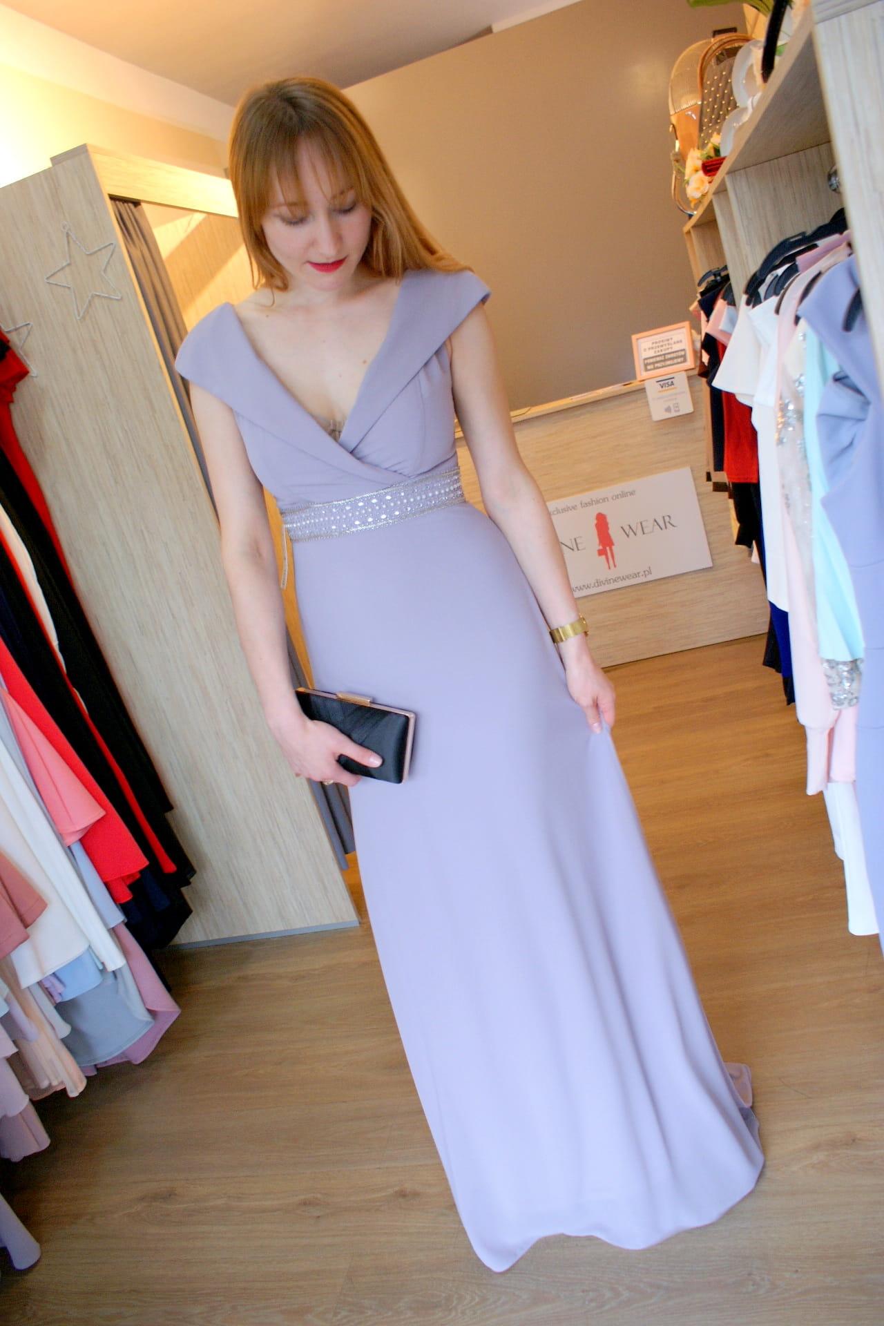 Sukienka suknia maxi długa ze zdobieniami i trenem Divine